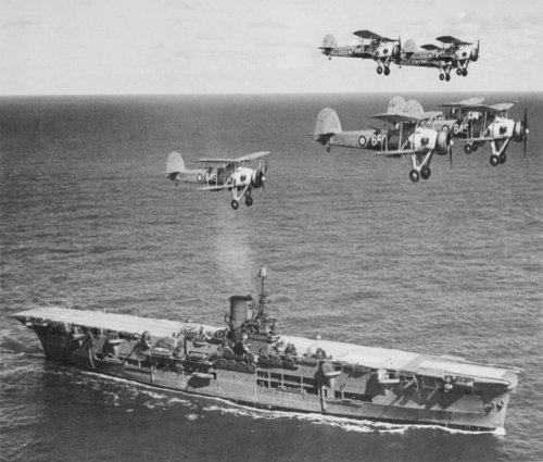 HMS Ark Royal aircraft carrier picture 2